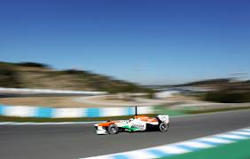 Force India: two cars, one driver. The clock is ticking!