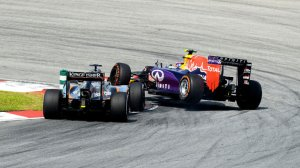 formula-1-grand-prix-malaysia-action-nico-hulkenberg-force-india-daniil-kvyat_3283581
